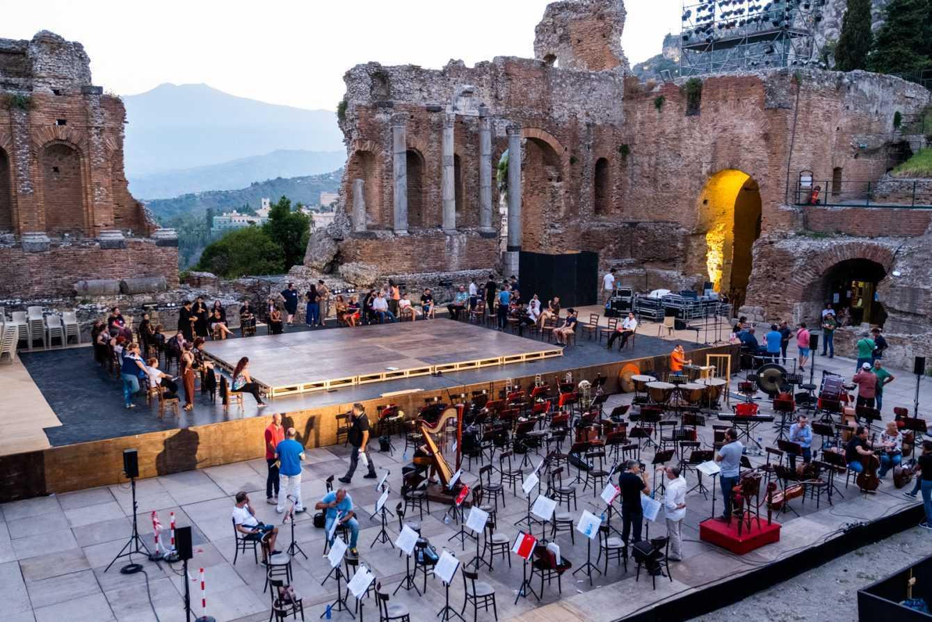Taormina Film Fest e Anec insieme per ripartire