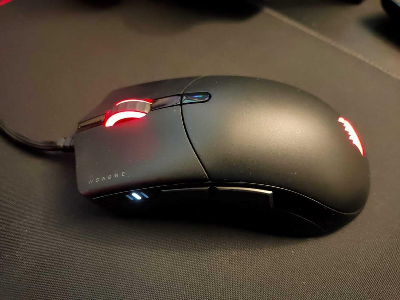Recensione Corsair SABRE RGB PRO: un mouse competitivo