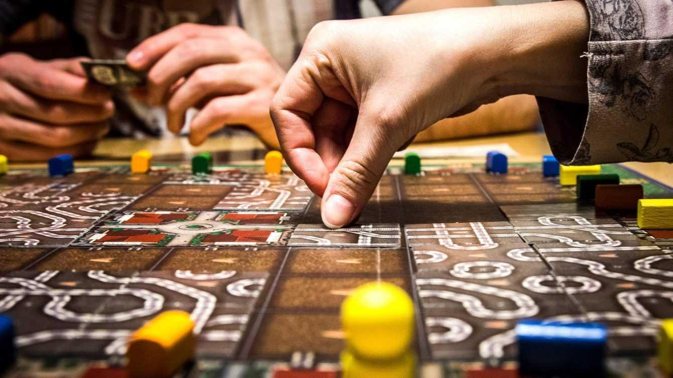 5 giochi da tavolo da giocare con amici e famiglia