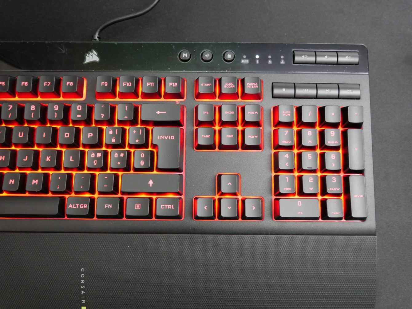 Recensione Corsair K55 RGB PRO XT: giocare nel silenzio