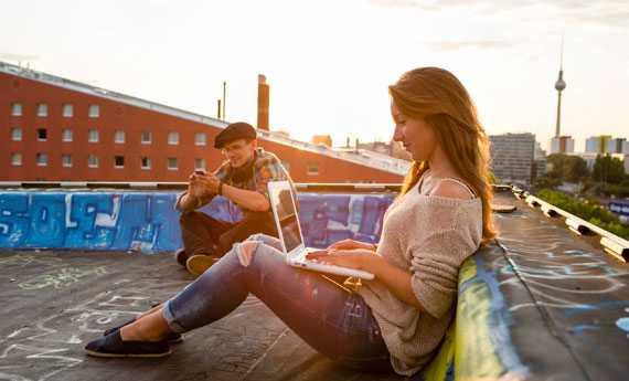 Samsung: consigli per affrontare l'estate con Michela Coppa