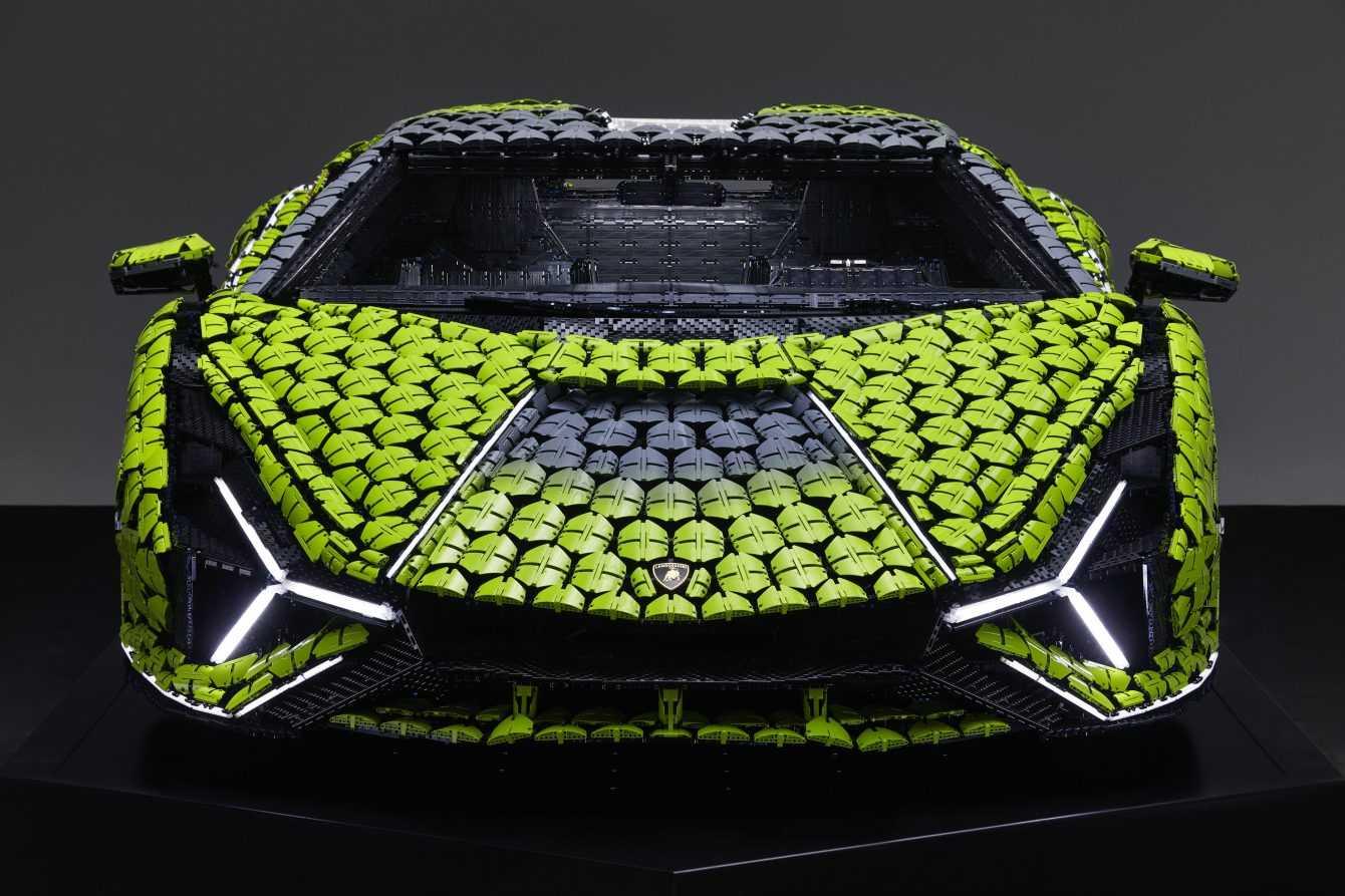 LEGO svela Lamborghini Sián FKP 37 a grandezza naturale