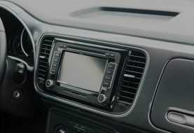 Come installare un autoradio nella macchina