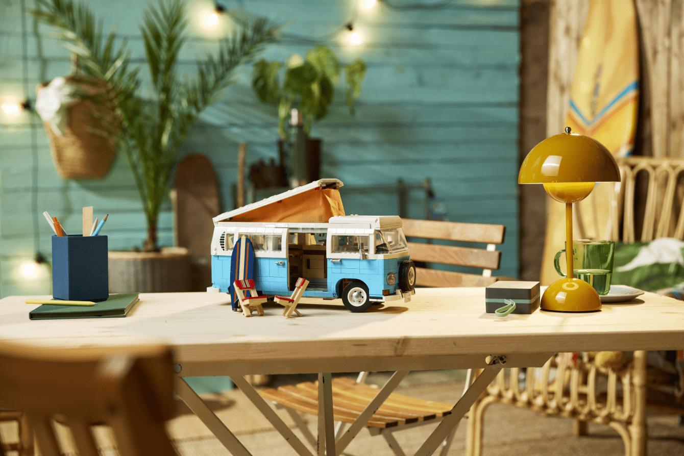 LEGO presents the new LEGO Volkswagen T2 Camper set