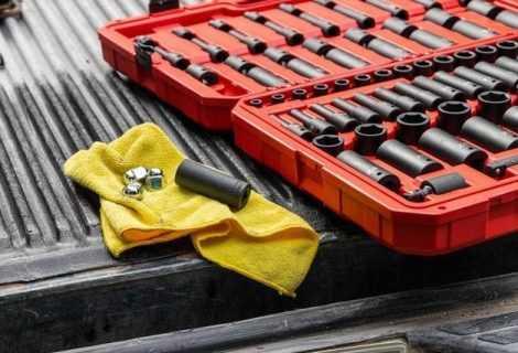 Motori e tecnologia: gli attrezzi da officina che tutti dovrebbero avere in garage