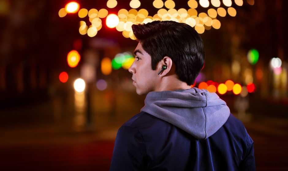 Razer Hammerhead True Wireless: auricolari con ANC e illuminazione RGB