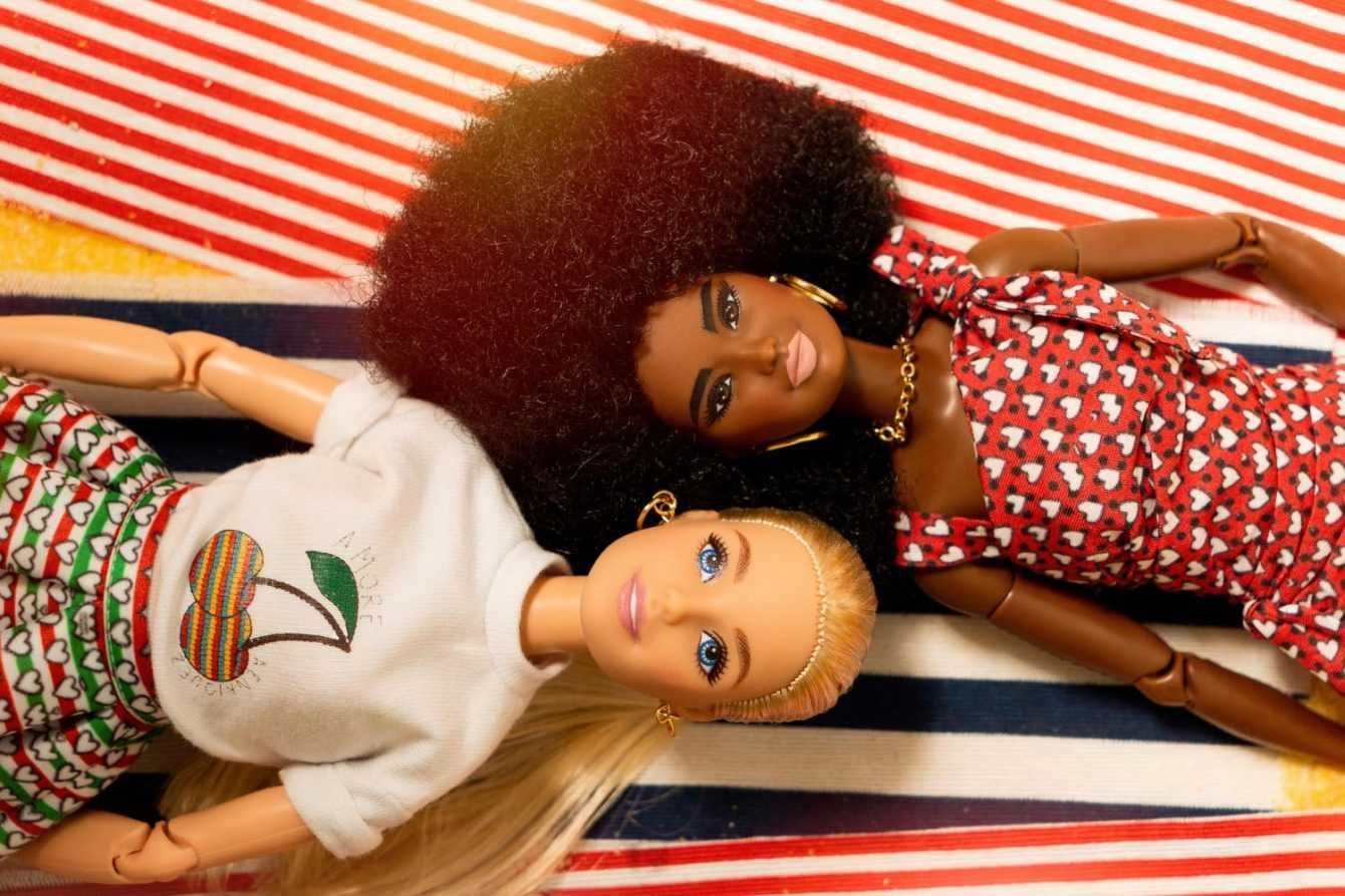 Barbie e Ken aprono la Fashion Week grazie ad Alessandro Enriquez