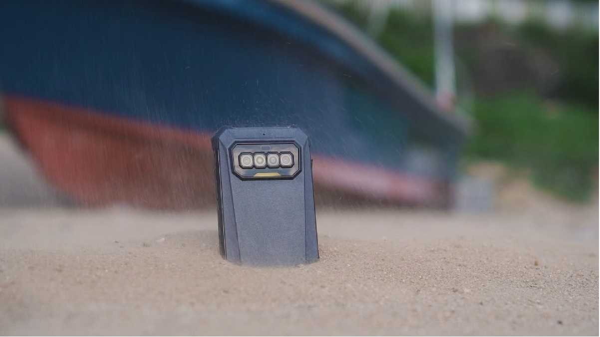 iiiF150 R2022: uno smartphone rugged con visione notturna