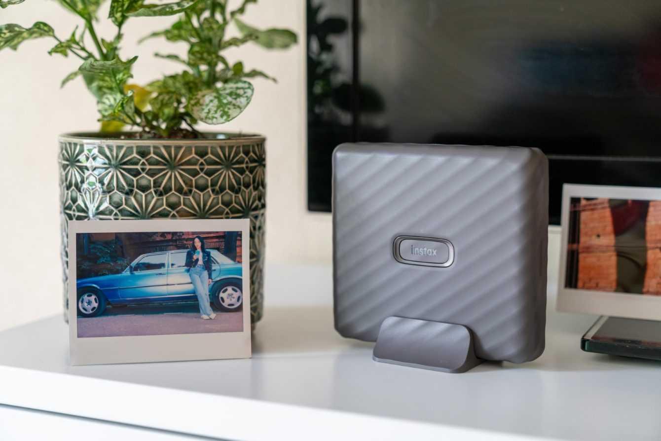 Fujifilm presenta Link Wide: la stampante portatile instax